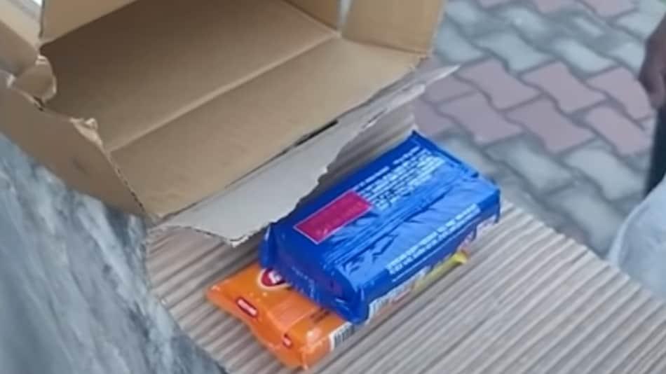 Flipkart से Big Billion Days सेल में मंगाया iPhone 12, लेकिन मिला Nirma साबुन, देखें वीडियो