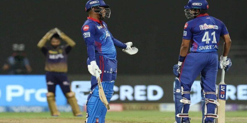 IPL 2021, KKR vs DC: शिमरॉन हेटमायर को डग आउट से वापस बुलाया गया, दूसरे क्वालिफायर में दिखा गजब सीन