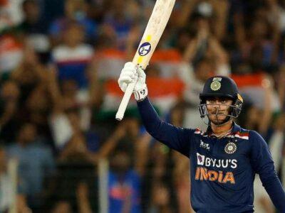भारत की सलामी जोड़ी की जिम्मेदारी केएल राहुल और रोहित शर्मा पर रहेगी. लेकिन इशान किशन को टीम में बैकअप ओपनर के तौर पर शामिल किया गया है. उन्होंने इंग्लैंड के खिलाफ डेब्यू किया था और इस मैच में 56 रनों की पारी खेली थी.  आईपीएल में वह कई बार मुंबई इंडियंस के लिए ओपनिंग कर चुके हैं.