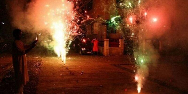 दिल्ली में पटाखों के इस्तेमाल-भंडारण पर तत्काल रोक, सभी लाइसेंस रद्द, जानिए कब तक लागू रहेगी यह पाबंदी
