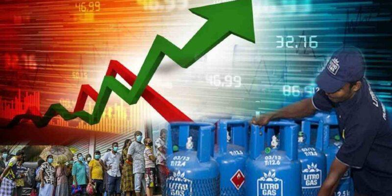 Sri Lanka Inflation: देश में बढ़ती महंगाई ने आम लोगों की कमर तोड़ दी है. खासकर रसोई का बजट एकदम बिगड़ गया है. पेट्रोल-डीजल के साथ 14.2 किलो वाले रसोई गैस सिलेंडर के दाम 1000 के करीब हो गए हैं. वहीं दाल, मसालों और खाद्य तेलों के रेट भी ज्यादा हो गए हैं. कुल मिलाकर हर वर्ग के लोगों पर महंगाई की मार पड़ी है. लेकिन क्या आप जानते हैं कि अपने पड़ोसी देश श्रीलंका का क्या हाल है?