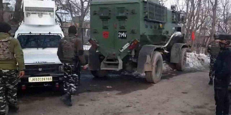 Jammu Kashmir: जम्मू कश्मीर के शोपियां इलाके में सुरक्षाबलों और आतंकवादियों के बीच मुठभेड़ जारी, 1 आतंकवादी ढेर