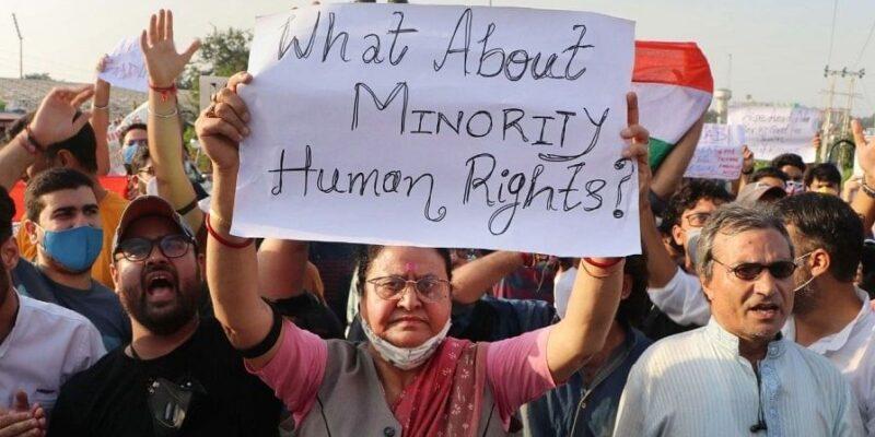 Jammu Kashmir: नागरिकों की हत्या के खिलाफ श्रीनगर में सड़कों पर उतरे मुस्लिम, बोले- आतंकियों का मकसद हुआ नाकाम