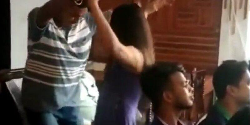 Jharkhand News: होटल के उद्घाटन समारोह में दुमका में रात भर चला 'ठुमका', वीडियो वायरल होने के बाद होटल मालिक समेत 50 लोगों पर मामला दर्ज