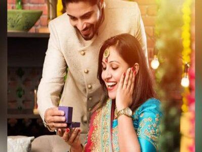 Karwa Chauth Gift Ideas : इस करवाचौथ पर पत्नी को दें ऐसा सरप्राइज, जिसे देखने के बाद खुशी का ठिकाना न रहे