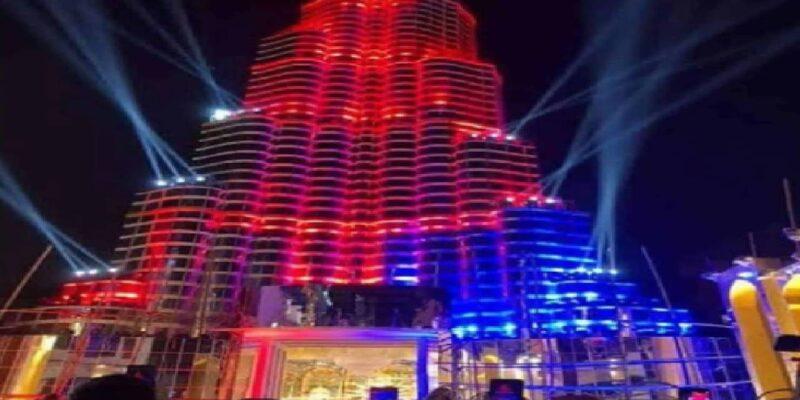 Kolkata Durga Puja: 145 फुट ऊंचे 'बुर्ज खलीफा' पंडाल की बढ़ी मुश्किलें! रोशनी से हवाई जहाजों के उड़ने और लैंडिंग में हो रही है समस्या