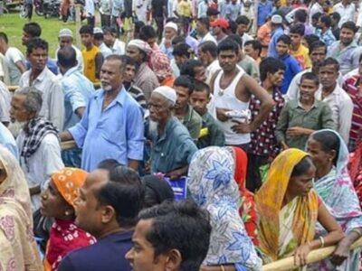 Madhya Pradesh: हवलदार सोमेंद्र लोगों की जिंदगियों में कुछ इस तरह कर रहे हैं रोशनी, जरूरतमंदों के लिए जमा पूंजी से खर्च किए 16 लाख