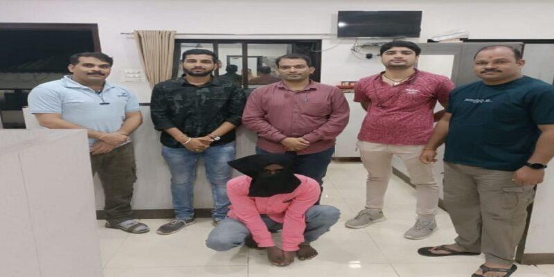 Maharashtra: 6 साल से फरार आरोपी को ठाणे पुलिस ने पकड़ा, 2015 में की थी शिवसेना नेता केशव नारायण की हत्या