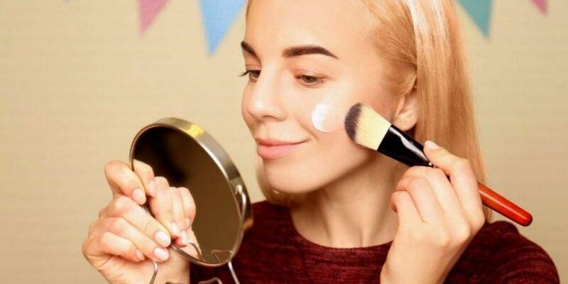 Makeup Tips : ड्राई स्किन वाली महिलाएं फ्लॉलेस लुक के लिए मेकअप के दौरान ध्यान रखें ये 6 बातें