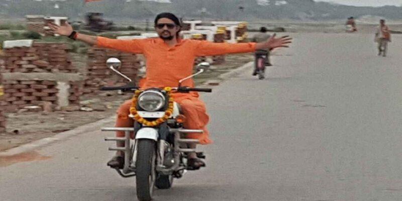 Narendra Giri Death: आरोपी आनंद गिरि के आश्रम से CCTV की DVR चुराकर भाग रहा शख्स गिरफ्तार