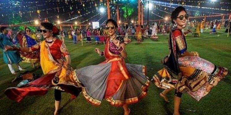 Navratri 2021: महाराष्ट्र सरकार ने जारी की नवरात्रि की गाइडलाइंस, इस साल भी नहीं होगी गरबा-डांडिया की धूम