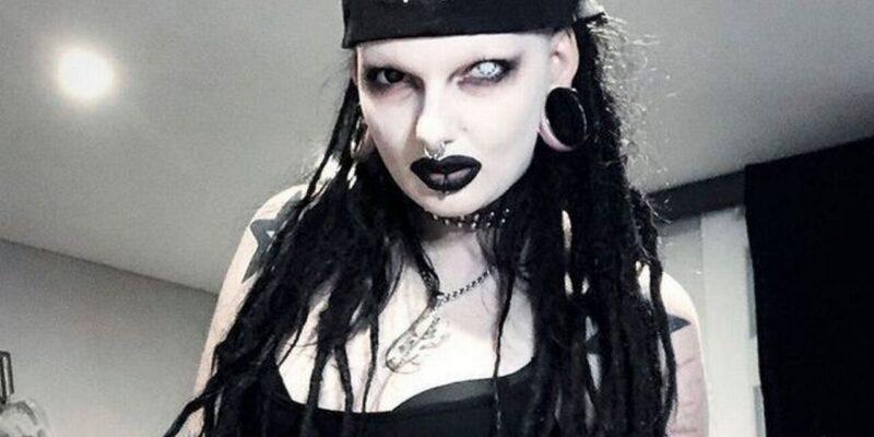 OMG! 25 साल की इस लड़की को 'चुड़ैल' लुक है पसंद, खूबसूरत कहलाने से होती है चिढ़