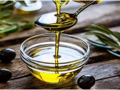 Olive Oil Benefits : बालों के लिए बेहद फायदेमंद है जैतून का तेल