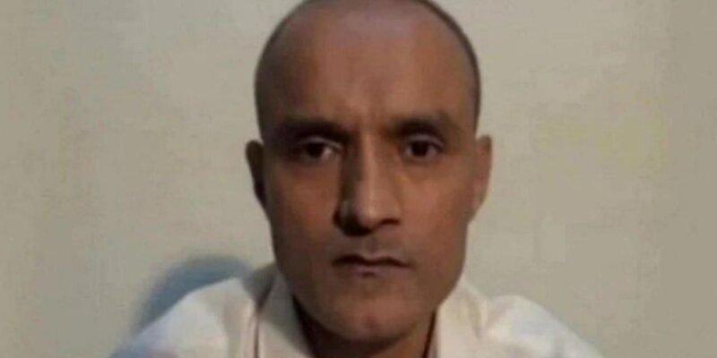 पाकिस्तानी अदालत ने जाधव का प्रतिनिधित्व करने को वकील की नियुक्ति के लिए भारत को और समय दिया