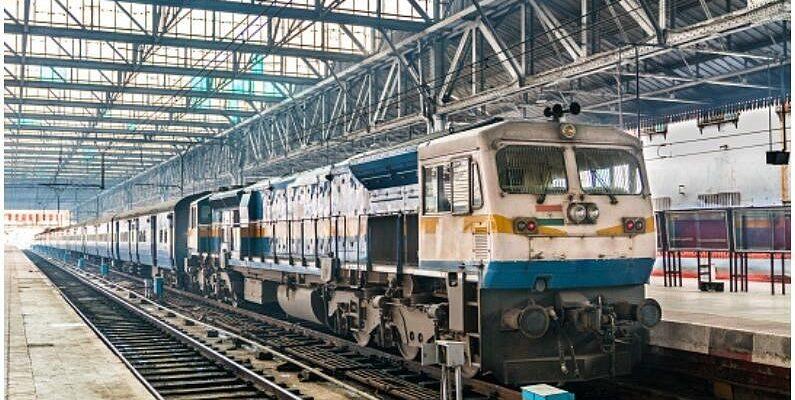Railway Jobs: रेलवे ने 10वीं पास के लिए निकाली बंपर वैकेंसी, बिना परीक्षा के मिलेगी नौकरी