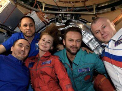 अंतरिक्ष में पहली मूवी की शूटिंग करने के बाद धरती पर लौटी रूसी फिल्म की टीम, 12 दिन किया था शूट