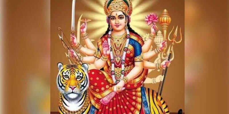 Shardiya Navratri 2021 :मां दुर्गा क्यों करती हैं सिंह की सवारी, जानें इसके पीछे की पौराणिक कथा