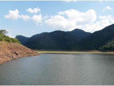 अजब-गजब: ये है दुनिया की सबसे रहस्यमयी झील, जिसका पानी पीकर कोई नहीं बचता है जिंदा