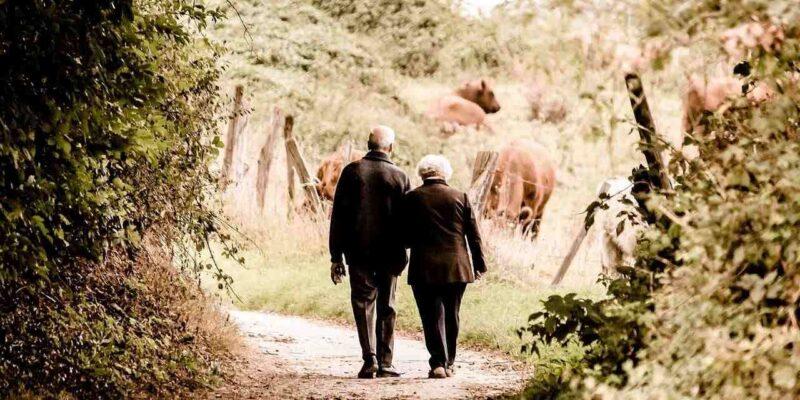 दुनिया का ऐसा गांव जहां महिलाओं की औसतन उम्र है 95 साल, इनडोर स्मोकिंग पर है बैन