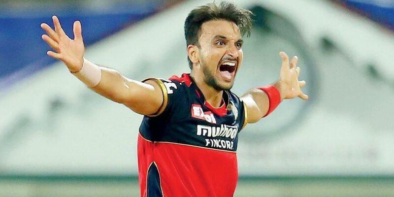 T20 World Cup 2021: हर्षल पटेल, शाहबाज अहमद समेत इन 8 खिलाड़ियों को मिली टीम इंडिया में 'जगह'