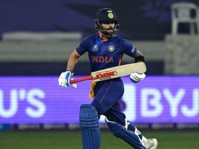 इस मैच से पहले कोहली ने पाकिस्तान के खिलाफ पिछले तीन टी20 विश्व कप में दो अर्धशतक जमाए थे और आउट नहीं हुए थे. उन्होंने 2012 में नाबाद 78 रनों की पारी खेली थी. 2014 में वह 36 रन बनाकर नाबाद लौटे थे. 2016 में वह 55 रन बनाकर नाबाद रहे थे. चार पारियों में कोहली का पाकिस्तान के खिलाफ औसत देखा जाए तो 226 रहा है.
