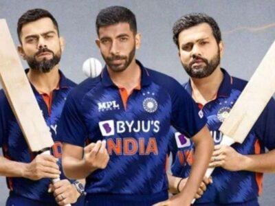 भारतीय क्रिकेट टीम टी20 वर्ल्ड कप 2021 में पाकिस्तान के खिलाफ मैच से अपने अभियान की शुरुआत करेगी. इस बार टीम इंडिया खिताब जीतने की तगड़ी दावेदार हैं. उसके पास रन मशीन कप्तान विराट कोहली हैं तो हिटमैन रोहित शर्मा, ऋषभ पंत, सूर्यकुमार यादव, केएल राहुल जैसे ताबड़तोड़ बल्लेबाज भी हैं. साथ ही गेंदबाजी में भी जसप्रीत बुमराह, रवींद्र जडेजा, वरुण चक्रवर्ती जैसे धुरंधर हैं. वैसे इस बार भारत के पास कई युवा चेहरे हैं. लेकिन इनमें से सबने कम से कम एक इंटरनेशनल टी20 मुकाबला जरूर खेल रखा है. लेकिन भारतीय सितारे ऐसे हैं जिन्होंने टी20 वर्ल्ड कप से अपने इंटरनेशनल टी20 करियर की शुरुआत की थी. आज उन्हीं की बात करेंगे. इन खिलाड़ियों में से दो तो अभी भी खेल रहे हैं.