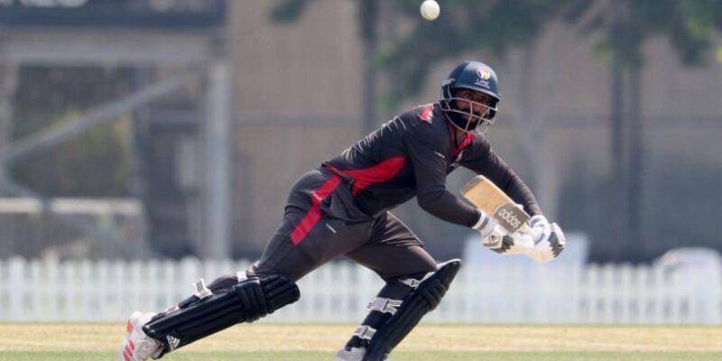 135 रन का लक्ष्य, इस बल्लेबाज ने अकेले ठोक दिए नाबाद 102 रन, चौकों-छक्कों की लगा दी झड़ी