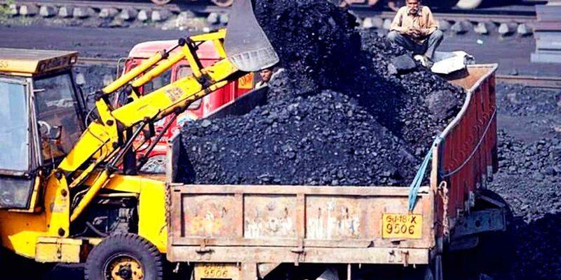 देश में कोयले की कमी से 'ब्लैकआउट' का खतरा गहराया, इन राज्यों में छा सकता है 'अंधेरा'!