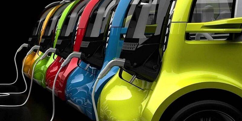 इलेक्ट्रिक कार खरीदने का है प्लान, इन 4 गाड़ियों को जल्द मिलने वाला है ईवी अवतार