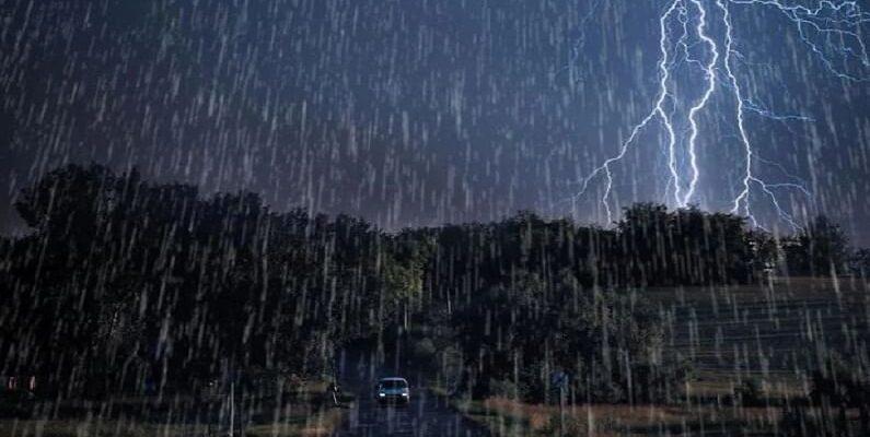 Uttarakhand: IMD ने जारी किया येलो अलर्ट, अगले 24 घंटे में कई जिलों में भारी बारिश की चेतावनी; बदरीनाथ हाईवे बंद
