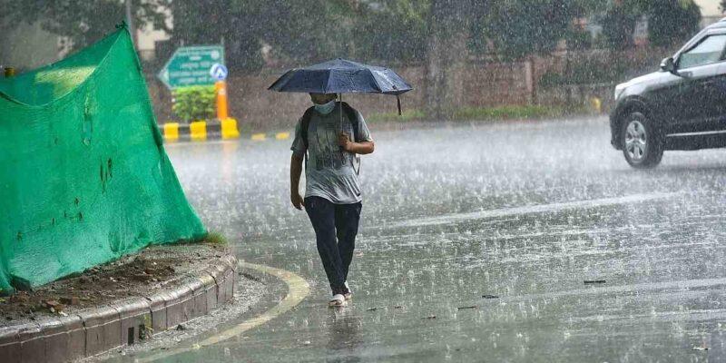 Weather Alert: उत्तर-पश्चिम भारत से मानसून की वापसी, IMD ने बताया केवल इस कारण महाराष्ट्र में एक बार फिर हो सकती है बारिश