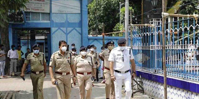 West Bengal Durga Puja Alert: बंगाल में दुर्गा पूजा के दौरान अलर्ट जारी, बांग्लादेश से घुसपैठ कर आतंकी बना सकते हैं निशाना